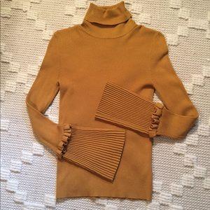 🍁Carmen Marc Valvo Bell-Sleeve Turtleneck Sweater